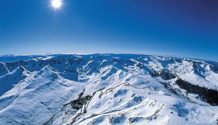 Андорра — ничего, кроме катания на лыжах и магазинов