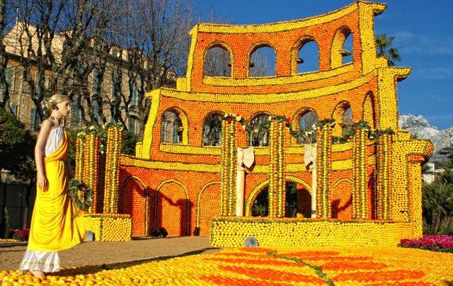 На празднике лимонов. Как проходит фестиваль во французском городе Ментон?