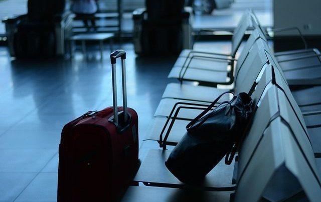 Россиян призвали отказаться от зарубежных поездок из-за COVID-19
